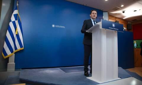 Προσλήψεις, επιδόματα και ενίσχυση της οικονομίας - Τι ανακοίνωσε ο Στέλιος Πέτσας