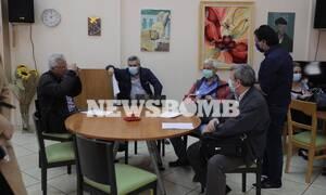 Ρεπορτάζ Newsbomb.gr: Τα πρώτα τεστ από Κινητές Μονάδες του ΕΟΔΥ -Δείτε τι έγινε σε ΚΑΠΗ στο Γαλάτσι