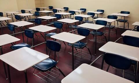 Απίστευτες εικόνες - Έτσι θα είναι τα σχολεία λόγω κορονοϊού (vid)