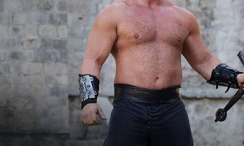 Aυτός είναι ο πιο δυνατός άνθρωπος στον κόσμο - Δείτε τι έκανε!