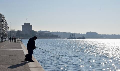 Άρση μέτρων: Τι θα ισχύει για ψάρεμα και κολύμπι στις πισίνες - Κανείς στα νησιά έως τις 18 Μαΐου