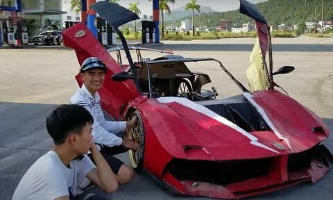 H… χάρτινη Ferrari από το Βιετνάμ είναι απίστευτη…