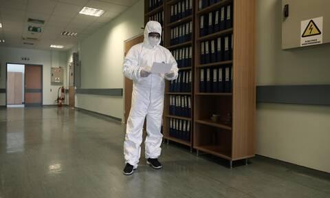 Κορονοϊός - πρύτανης ΕΚΠΑ: Έτσι θα πετύχουμε την πλήρη ύφεση του φονικού ιού