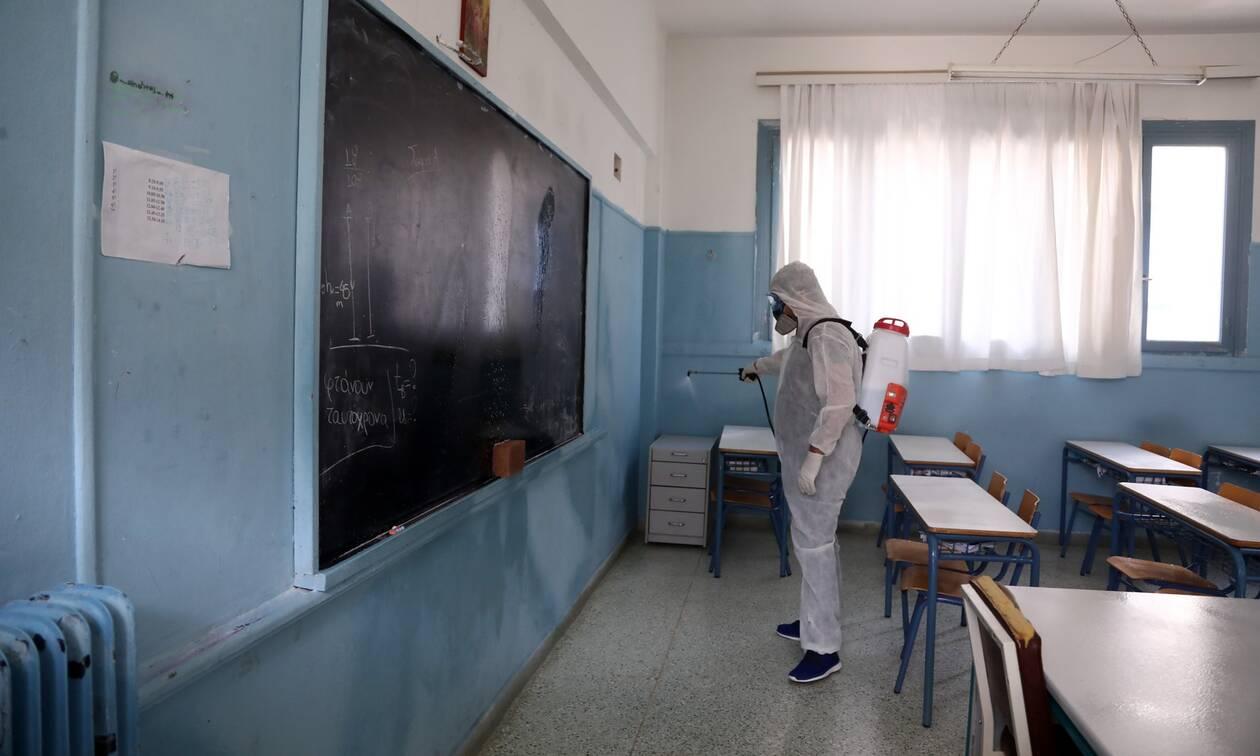 Ανοίγουν τα σχολεία: Αγωνία στους επιστήμονες - Τι φοβούνται