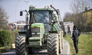 Κορονοϊός Ιταλία: Άδειες εργασίας σε παράτυπους μετανάστες λόγω απουσίας εργατών στα χωράφια