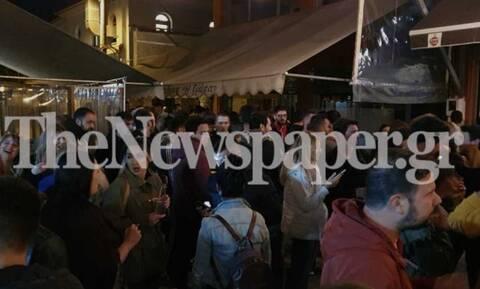 Οι εικόνες που προκάλεσαν την οργή Χαρδαλιά: «Μάχη» για ένα ποτό στο Βόλο (pics)