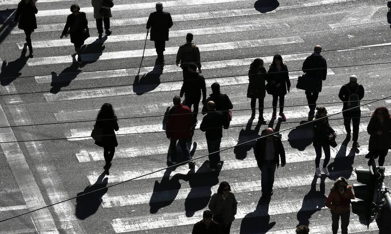 Εφιαλτικές προβλέψεις για την Ελλάδα από Capital Economics - Ύφεση 15%, ανεργία 25%