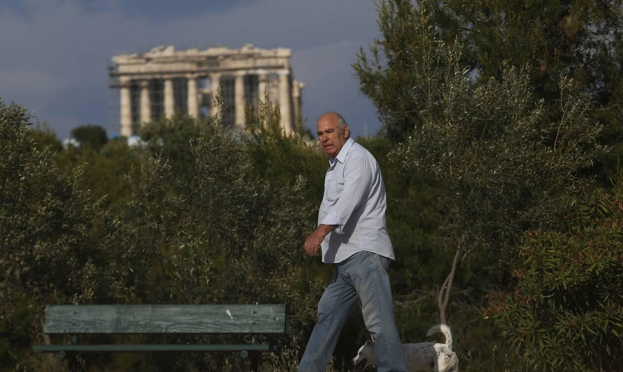 Κορονοϊός - Έλληνας καθηγητής: Πότε τελειώνει η πανδημία του φονικού ιού στην Ελλάδα