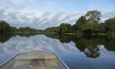 Κορονοϊός: Φυλή ιθαγενών του Αμαζονίου φεύγει στη ζούγκλα για να γλιτώσει