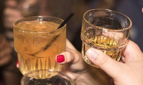 Κολωνάκι: Γνωστό μπαρ άνοιξε και προσέφερε ποτά στο χέρι - Συνελήφθησαν υπεύθυνος και ιδιοκτήτης