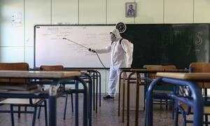 Σχολεία: Μεμβράνες, αποστάσεις ασφαλείας και εκδρομές τέλος - Έτσι θα επιστρέψουν οι μαθητές