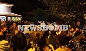 Κορονοϊός - Καθηγήτρια ΕΚΠΑ: Τα υπαίθρια πάρτι μας γυρίζουν στον αρχικό κίνδυνο διασποράς του ιού