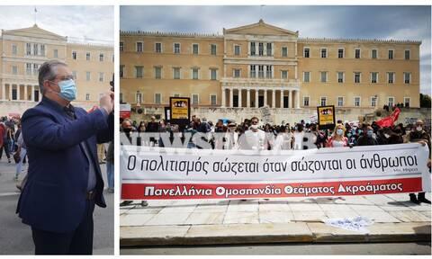 Κουτσούμπας στο Newsbomb.gr: «Είμαστε στο πλευρό των ανθρώπων της Τέχνης και του Πολιτισμού»