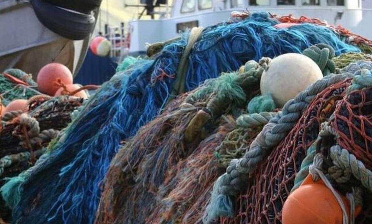 Χαμός στην Καβάλα: Τράβηξαν τα δίχτυα και έπαθαν σοκ - Έβγαλαν τον «εφιάλτη» της θάλασσας