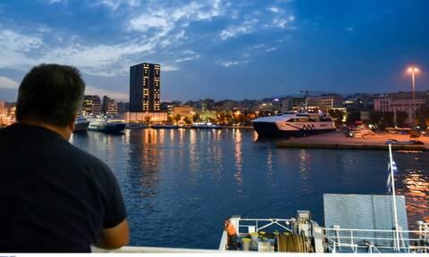 Το πιο διαφορετικό καλοκαίρι της ζωής μας: Πώς θα ταξιδέψουμε στα νησιά - Όλα τα μέτρα για τα πλοία