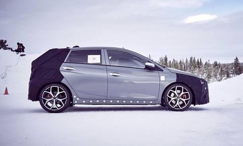 Δείτε την Hyundai να δοκιμάζει στον πάγο το «καυτό» i20N