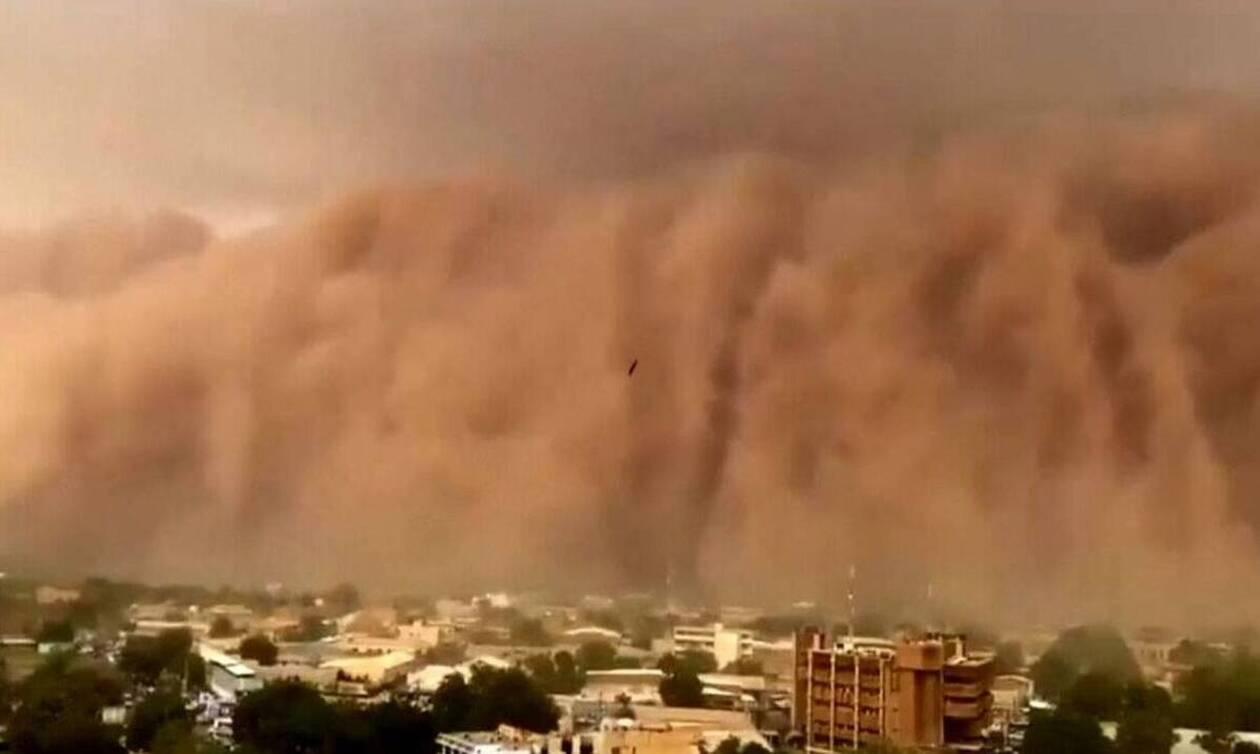 Εικόνες... τρόμου! Τσουνάμι σκόνης «καταπίνει» πόλεις και το θέαμα καθηλώνει (Video)