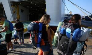 Άρση περιοριστικών μέτρων: Οι τρεις ημερομηνίες-κλειδιά για την ελεύθερη μετακίνηση στα νησιά