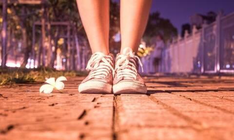 Αυτή η γυναίκα δεν μπορεί να περπατήσει - Μόλις δείτε το λόγο θα φρικάρετε (pics)
