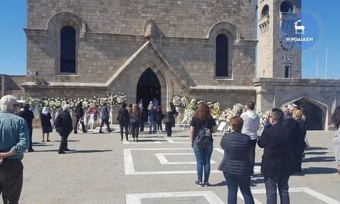 Κηδεία Δημήτρη Κρεμαστινού: Το τελευταίο «αντίο» στον επιστήμονα και πολιτικό (pics+vid)