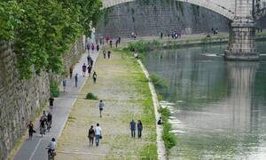 Κορονοϊός Ιταλία: 194 θάνατοι το τελευταίο 24ωρο - Συνεχίζεται η μείωση κρουσμάτων