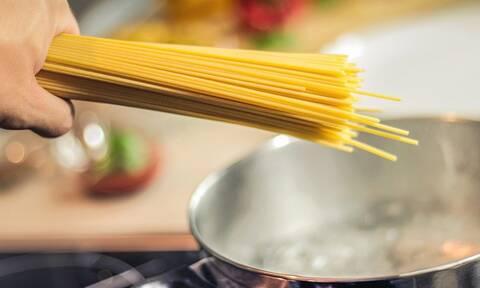 Αυτό είναι το λάθος που κάνουμε όταν μαγειρεύουμε μακαρόνια (pics)