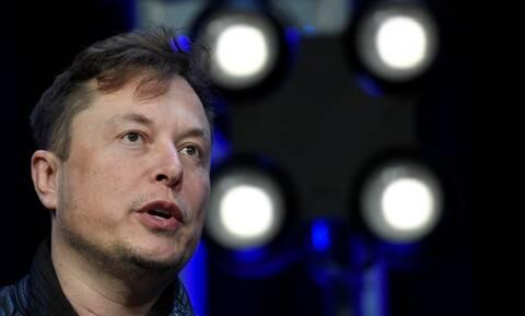 ΗΠΑ: Ο Μασκ απειλεί να μεταφέρει τις κεντρικές εγκαταστάσεις της Tesla λόγω του lockdown