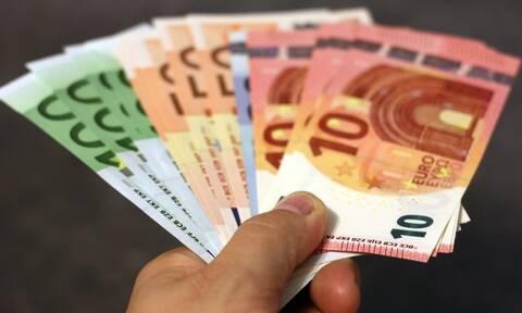 Κορονοϊός: Μειώνεται η προκαταβολή φόρου στο 50% - Δείτε ποιους αφορά