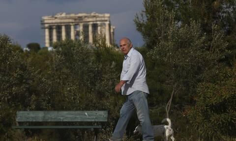 Κορονοϊός: Ο Guardian «υποκλίνεται» στην Ελλάδα - Εγκώμια για Μητσοτάκη