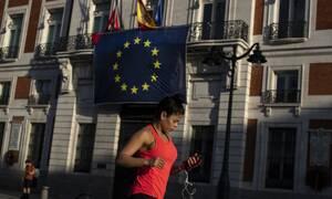 Κορονοϊός: Η Ευρώπη χαλαρώνει με πολλή προσοχή τα μέτρα περιορισμού