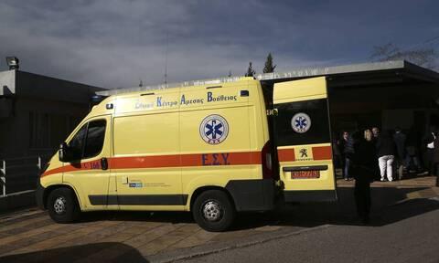 Σοκ στα Τρίκαλα: Γυναίκα έπεσε από τον 2ο όροφο πολυκατοικίας