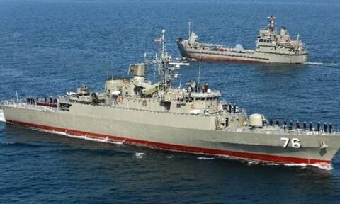 Συναγερμός στο Ιράν: Φρεγάτα βύθισε πλοίο μεταφοράς υλικού - Πληροφορίες για νεκρούς
