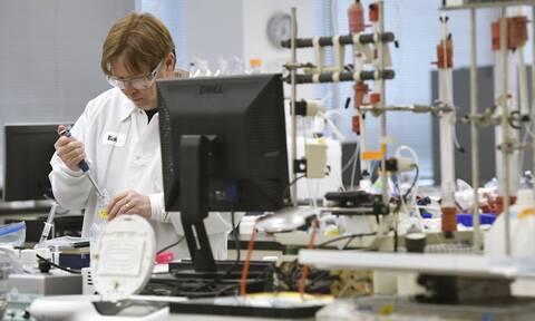 Κορονοϊός: Πώς η μετάλλαξη του ιού «γεννά» ελπίδες για δημιουργία εμβολίου