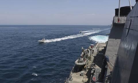 Τραγωδία στο Ιράν: Φόβοι για δεκάδες νεκρούς - Φρεγάτα βύθισε πλοίο κατά τη διάρκεια άσκησης