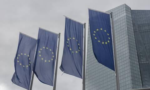 H Ε.Ε. απειλεί να... καθίσει στο σκαμνί τη Γερμανία – Τα επόμενα βήματα στην κόντρα για το QE