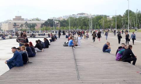 Απίστευτες εικόνες στη Θεσσαλονίκη: Ένας... σκουπιδότοπος μετά την κυριακάτικη βόλτα (photos)