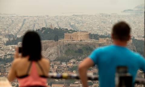 Καιρός: Καύσωνας και αφρικανική σκόνη θα «πνίξουν» τη χώρα - Έρχεται ρεκόρ θερμοκρασίας με 40άρια