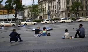 Κορονοϊός - Γερμανία: Υπέρβαση του ορίου των νέων κρουσμάτων σε πολλές περιοχές