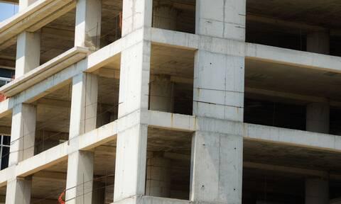 Τραγωδία στην Ιτέα: Νεκρός άνδρας μετά από πτώση σε φρεάτιο ασανσέρ