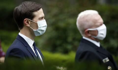 Κορονοϊός ΗΠΑ: Οι εργαζόμενοι στη Δυτική Πτέρυγα του Λευκού Οίκου θα φορούν μάσκες