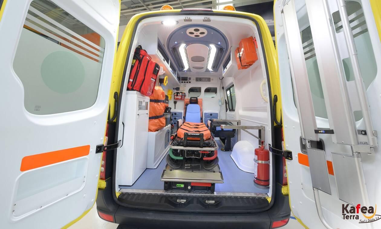 Δωρεά ζωής: Η Kafea Terra προσφέρει ένα καινούριο, πλήρως εξοπλισμένο ασθενοφόρο στο ΕΚΑΒ