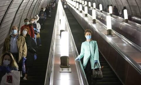 Κορονοϊός: «Καμπανάκι» από τους ειδικούς για το στρες κατά την πανδημία - Τι «δείχνουν» οι μελέτες