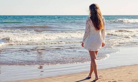 Ξεχάστε το μπικίνι! Το τρικίνι είναι η νέα τάση που θα κάνει... χαμό φέτος στις παραλίες (photos)