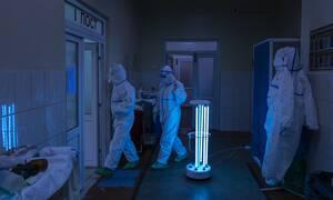 Βίντεο: Αυτό είναι το ρομπότ - «εξολοθρευτής» για τον κορονοϊό - Σκοτώνει τον ιό σε δύο μόνο λεπτά