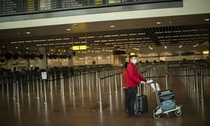 Κορονοϊός: Υποχρεωτική χρήση μάσκας σε αεροπλάνα και αεροδρόμια - Η οδηγία Κομισιόν για τουρισμό