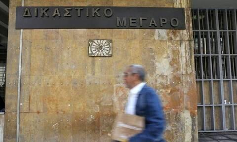 Θεσσαλονίκη: Προκαταρκτική εξέταση για δημοτικό υπάλληλο που έκλεβε αυτοκίνητα με γερανό