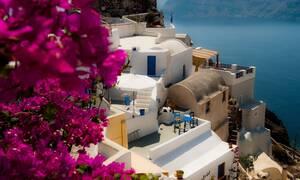Χρησμοί και γενικολογίες της Κομισιόν για τουρισμό και μετακινήσεις εντός Ε.Ε