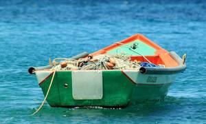 Θρίλερ για ψαράδες μέσα στη θάλασσα: «Θεέ μου ήρθε για εμάς» (pics)