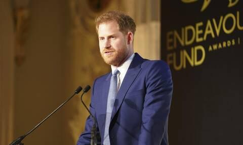 Δύσκολες ώρες για τον πρίγκιπα Χάρι: Ζορίζουν τα πράγματα