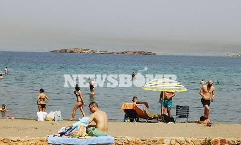 Οδοιπορικό του Newsbomb.gr στις παραλίες της νότιας Αττικής μία μέρα πριν το άνοιγμα των πλαζ